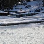 I insnöad och istäckt hamn