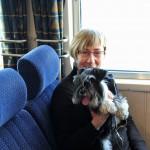 Lena och Moa på båten mot Sandhamn